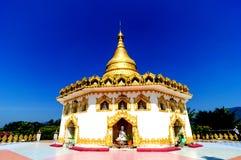 Härlig tempel i Myanmar royaltyfria bilder