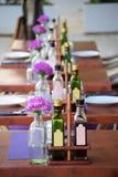 Härlig terrass av en restaurang med bot dekorerade tabeller Royaltyfri Fotografi