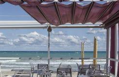 Härlig terrass i en strand Fotografering för Bildbyråer