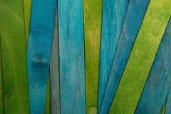 Härlig textur av naturliga träslats av blå turkos och gröna färger royaltyfri fotografi