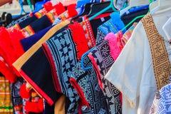 Härlig thailändsk stam- kläder och den stam- textilen utformar i inget Royaltyfria Foton