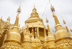 Härlig thailändsk tempel, Wat Pa Sawang Bun Temple, Thailand Royaltyfria Foton