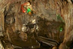 Härlig Tham Jang grotta, Vang Vieng, Laos royaltyfri foto
