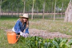 härlig trädgårds- flicka Royaltyfri Fotografi