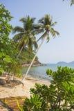 Härlig tropisk strand på ön Koh Chang Royaltyfria Foton