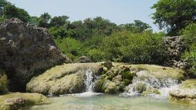 härlig tropisk vattenfall Filippinerna Luzon arkivfilmer