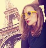 Härlig ung blond kvinna arkivfoto
