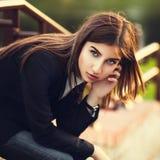 Härlig ung brunettflicka Arkivfoton