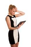Härlig ung caucasian affärskvinna med arbete för blont hår Royaltyfri Foto