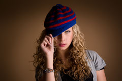Härlig ung charmig flicka arkivfoton