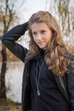 Härlig ung flicka utomhus Royaltyfria Foton