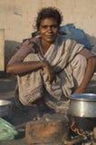 Härlig ung gatakvinna i Chennai, Indien arkivbilder