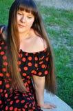 Härlig ung kvinna, brunett Arkivfoto