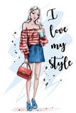 Härlig ung kvinna för blont hår Stilfull flicka i modekläder Hand dragen modekvinna skissa stock illustrationer