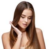 Härlig ung kvinna med ren ny hud Arkivfoton