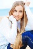 Härlig ung kvinna arkivfoton