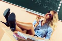 Härlig ung sexig lärare arkivbilder