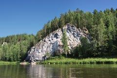 härlig ural chusovayanaturflod Fotografering för Bildbyråer