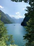 Härlig utsikt av sjön Konigsee i Tyskland arkivfoto