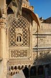 Härlig utsmyckad balkong av den gammala havelien, unesco-arv, Rajasthan, Indien Arkivfoto