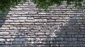Härlig vägg av den gråa stenen royaltyfria bilder