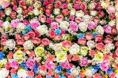 Härlig valentin för konstgjorda blommor Arkivfoton