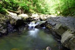 härlig vattenfall Arkivbilder