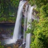 Härlig vattenfall för djup skog på Huai Luang Waterfal Arkivfoto