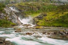 Härlig vattenfall i dalen av vattenfall in Royaltyfria Bilder