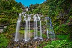 Härlig vattenfall i laotiskt Arkivbilder