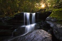 Härlig vattenfall i New South Wales, Australien Arkivfoton