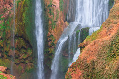 Härlig vattenfall i Ouzoud, Azilal, Marocko Storslagen kartbok Royaltyfria Bilder