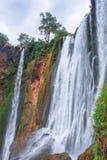 Härlig vattenfall i Ouzoud, Azilal, Marocko Storslagen kartbok Arkivbild