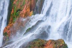 Härlig vattenfall i Ouzoud, Azilal, Marocko Storslagen kartbok Royaltyfri Fotografi