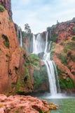 Härlig vattenfall i Ouzoud, Azilal, Marocko Storslagen kartbok Arkivfoton