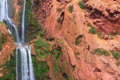 Härlig vattenfall i Ouzoud, Azilal, Marocko Storslagen kartbok Royaltyfri Bild