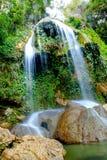 Härlig vattenfall i Soroa, Vinales Kuba arkivbild