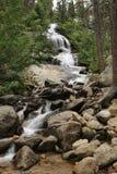 Härlig vattenfall på Mount Whitney i Kalifornien Fotografering för Bildbyråer
