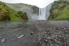Härlig vattenfall Skogafoss, Island Royaltyfri Bild
