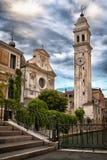 Härlig venetian kanal i sommardag, Italien royaltyfri fotografi