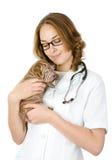 Härlig veterinär med valpsharpeihunden. Royaltyfria Foton