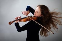 härlig violinist Royaltyfri Fotografi