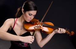 Härlig violinist Royaltyfria Bilder