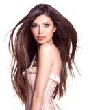 Härlig vit nätt kvinna med långt rakt hår Royaltyfri Bild