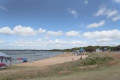 Härlig vit-sand strand Lynn Creek Park i den storslagna prärien, Tex Royaltyfri Foto