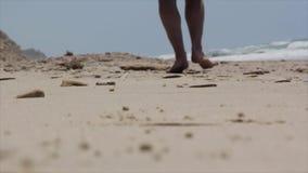 Härlig vit sandstrand och tystnad arkivfilmer