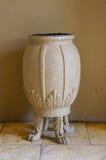 Härlig vit vas med fyra ben, Sydafrika Royaltyfria Bilder