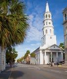 Härlig vitkyrka i charlestonen, South Carolina royaltyfri foto