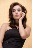 Härlig vuxen sensualitetkvinna royaltyfri foto