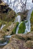 Härliga Bachkovo vattenfall applåderar i det Rhodopes berget, Bulgarien Royaltyfria Bilder